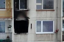 POŽÁR zachvátil byt v roudnické Neklanově ulici 23. prosince ráno. Plameny a jejich likvidace poškodily i okolní byty.