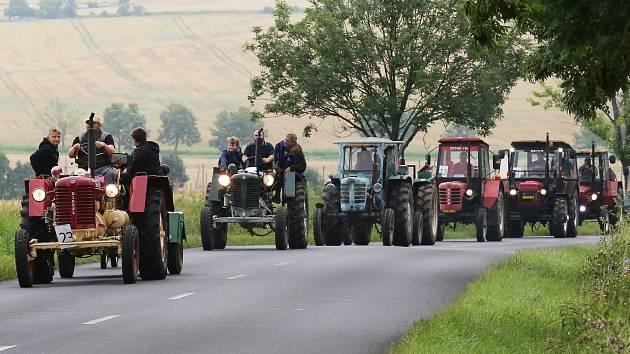 Traktory a samohyby se setkaly v Drahobuzi.