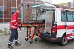Představení nového sanitního vozu litoměřické nemocnice.