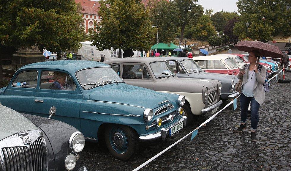 Sraz veteránů v Roudnici nad Labem.