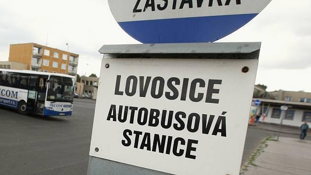 Autobusové nádraží v Lovosicích. Archivní foto