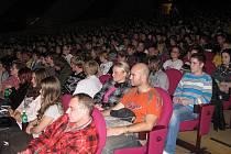 Vyprodané kino Máj.