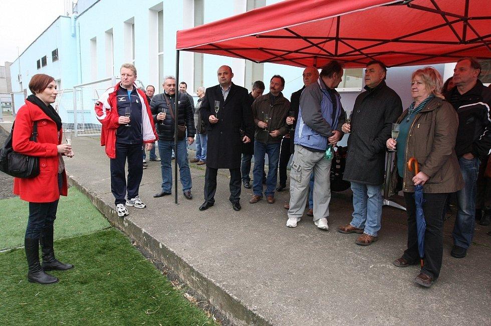 V Lovosicích bylo slavnostně otevřeno nové hřiště s trávníkem 3. generace
