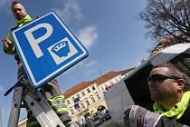 Parkování na náměstí už bude každému jasné