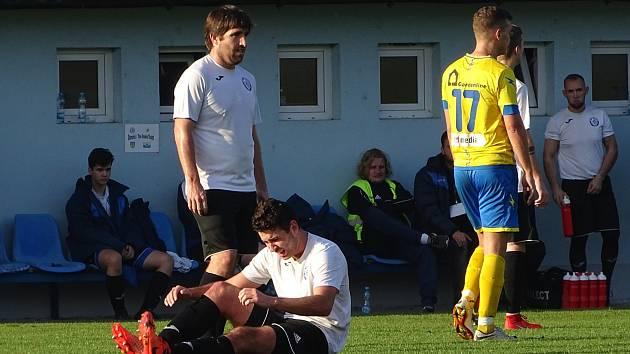 Fotbalisté Lovosic (v bíločerném) ilustrační