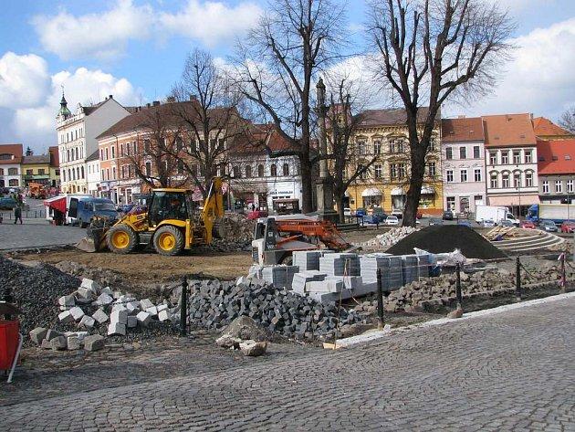 Roudnické náměstí dostává novou tvář.