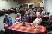 Setkání seniorů v roudnickém hotelu Koruna