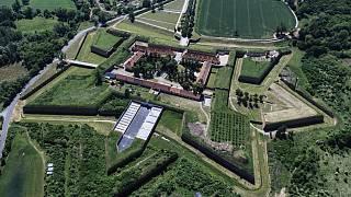 Pevnost Terezn populrn-naun web