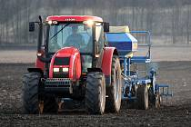 Zemědělci u Chodovlic na Lovosicku.
