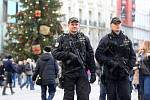 Ilustrační snímek. Policie na vánočních trzích