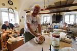 Na chalupě v Levíně mají keramici sympozium