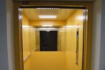 V pavilonu H litoměřické městské nemocnice jezdí dva nové výtahy