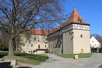 Jedním z poznávacích znamení Budyně nad Ohří je tamní vodní hrad