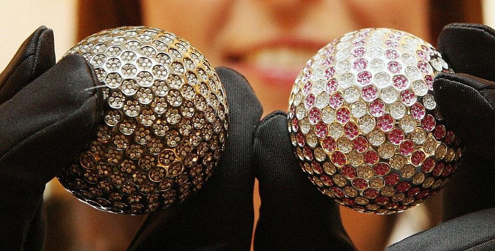 Diamantové golfové míčky ukázali v Roudnici.