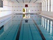 Lovosický bazén potřebuje lepší akustiku