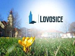 Lovosičtí si v anketě vybrali nové logo města.