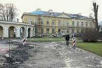 Takto to nyní vypadá v areálu Státního zámku v Ploskovicích.