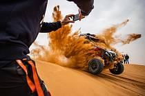 Buggyra na V. etapě Dakar 2021.
