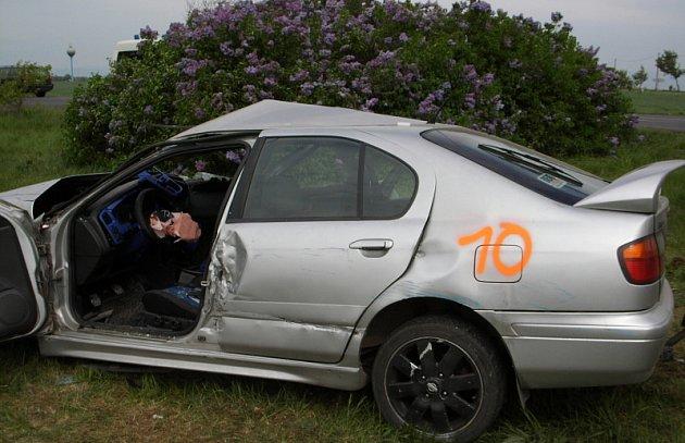 Nehoda u obce Dušníky - středa 29. 4. 2009 ráno.