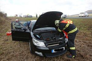 Dopravní nehoda u Ploskovic