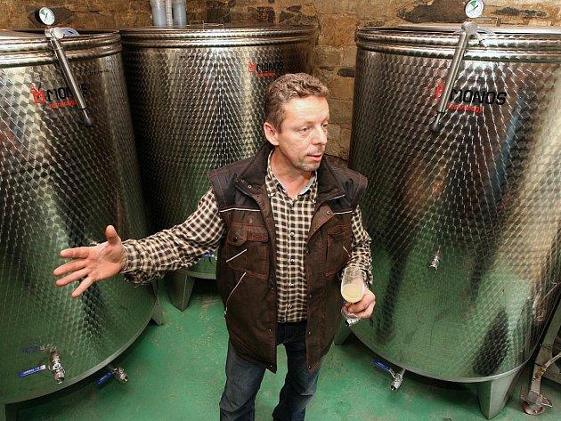 Dalibor Mikulenka z rodinného vinařství ve Velkých Žernosekách.