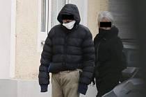Bezdomovec, který obtěžuje lidi v Lovosicích, je zpět ve městě