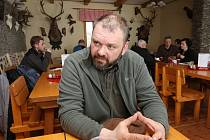 Daniel Pitek restauraci na Milešovce zavírá kvůli EET.