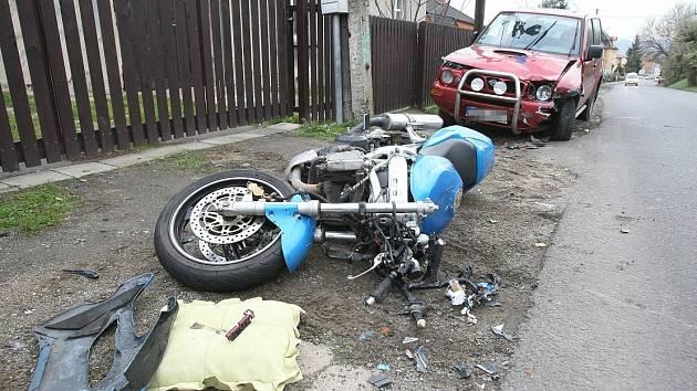 Dopravní nehoda v Žalhosticích, čtvrtek 8. listopadu 2012.