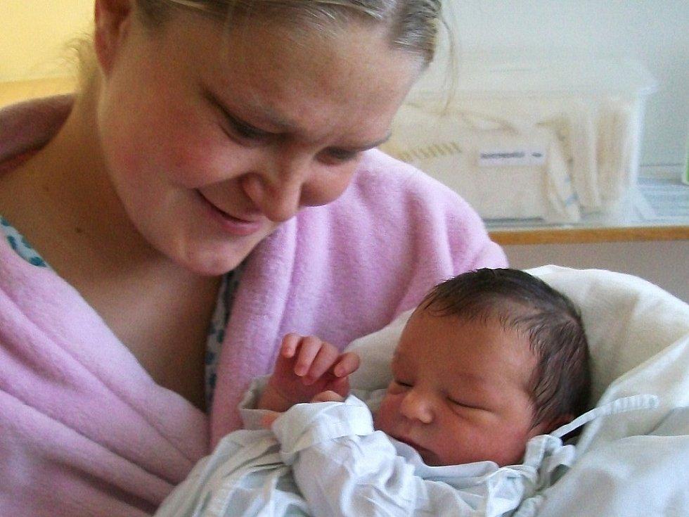 Ivaně a Vojtěchu Šubrtovým ze Smečna se 9.12. v 11 hodin narodila na Kladně dcera Karolína Šubrtová (50 cm, 3,41 kg). Maminka  pochází z Libochovic.
