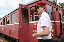 Historický motorák na trati do Chotiměře