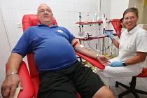 Zdeněk Procházka, rekordman v počtu odběrů krve z Lovosic. V úterý 21. srpna 2018 daroval krev v ústecké transfuzní stanici Masarykovy nemocnice postopadesáté