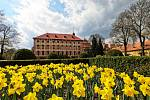 Jaro v zámecké zahradě v Libochovicích
