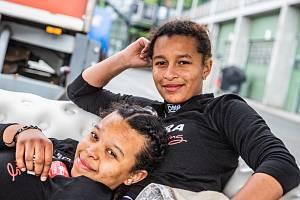 Dvojčata Aliyyah (vlevo) a Yasmeen Kolocovy.