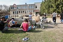 Dvě ubytovny v Brozanech nad Ohří jsou také vnímané jako problematické. Kvůli časté migraci obyvatel a negativním sociálním jevům. Archivní foto z roku 2018