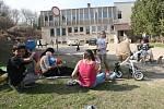 V Brozanech mají v obci dvě ubytovny a jsou zde problémy s jejich obyvateli. Chtějí proto vydat vyhlášku zakazující stěhování dalších obyvatel na ubytovny.