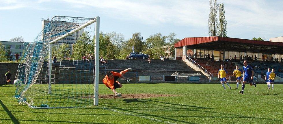Litoměřice - Bezděkov 3:1. Penalta na 3:1.