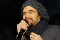 Na vernisáži vystoupil také zpěvák Dan Bárta.