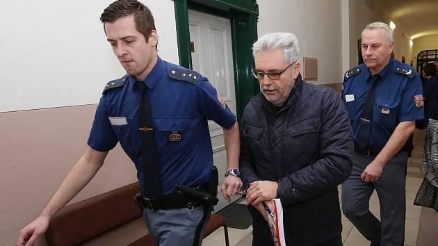 Hlavní líčení spodnikatelem Vladislavem Větrovcem u Okresního soudu v Litoměřicích.