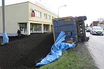 Nehoda kamionu v Lovosicích