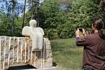 Nové sochy v lesoparku pod Mostnou horou v Litoměřicích