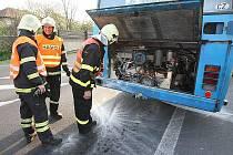 Požár autobusu u Jenčic