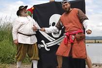Dobývání jezera piráty 2007.