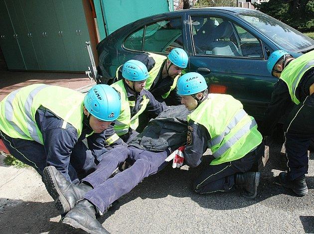 Soutěž dobrovolných hasičů v Budyni nad Ohří