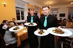 Studenti litoměřické Střední školy pedagogické, hotelnictví a služeb předvedli kuchařskou show.