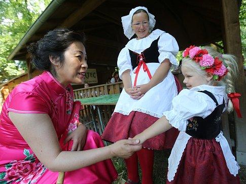 8. Mezinárodní folklorní festival v Třebívlicích.