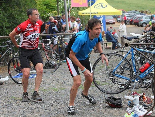 DEPO Kocourovského triatlonu bývá je tradičně kousek od hospůdky.