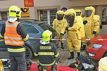 Cvičení hasičů z Litoměřic a Lovosic na obecním úřadě v Třebívlicích.