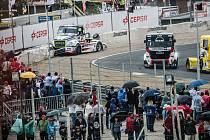 Závody v Jaramě nenudily. Buggyra urvala double!