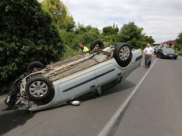 Dopravní nehoda v Žalhosticích.