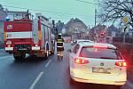 U železniční zastávky Lovosice město si řidiči dlouhodobě stěžují na závory, které několik minut blokují přejezd, aniž by projížděl nebo zastavil vlak. Ve středu 2. ledna závory zdržely také hasiče, kteří spěchali asistovat záchranářům.